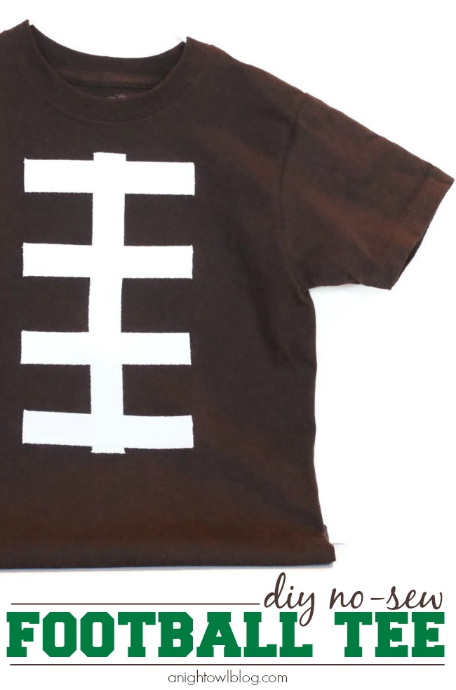 Perfect for game day! Make these DIY no-sew football tees in just minutes!