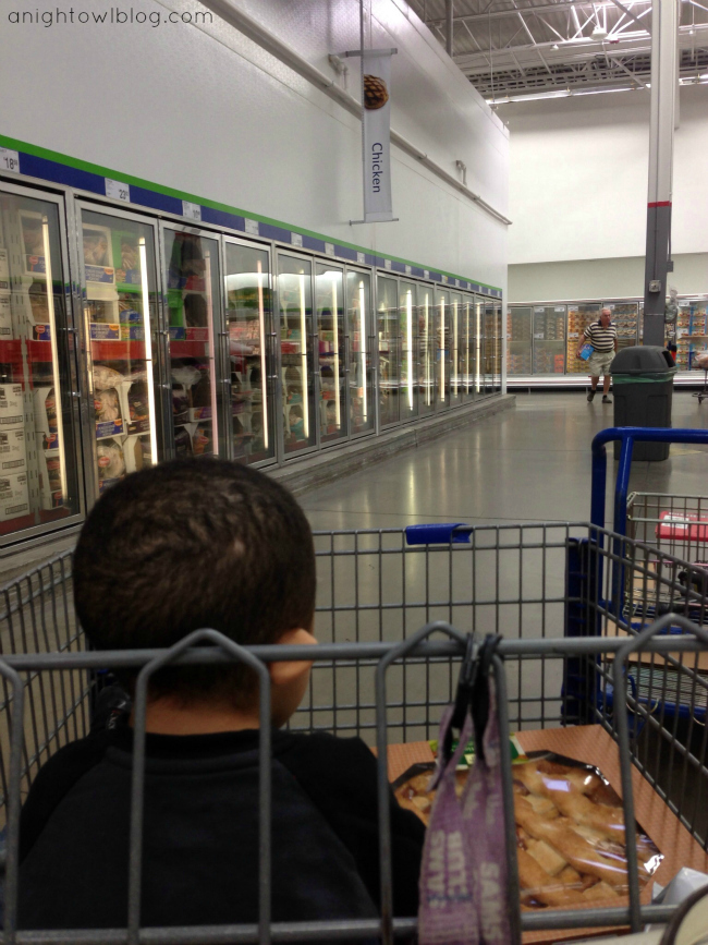 Shopping for Tyson Chicken Nuggets at Sam's Club #MealsTogether