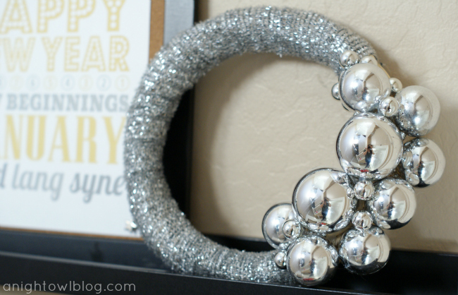 New Years Eve Mantel at @anightowlblog