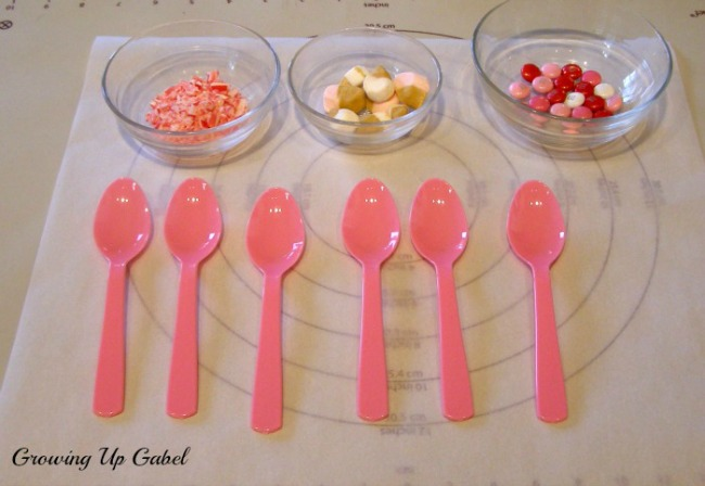 Chocolate Dipped Spoons Tutorial
