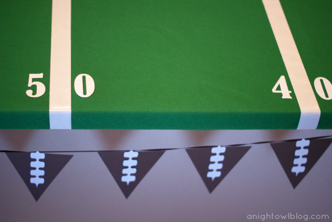 Easy Football Field Party Table by { anightowlblog.com }