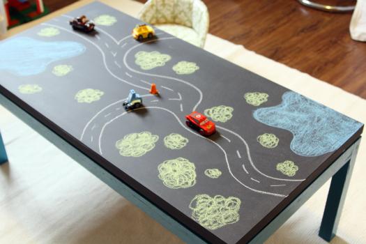 Chalkboard Lego Play Table by I Heart Organizing