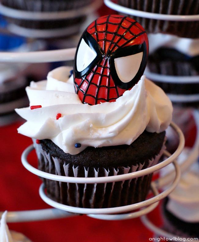 Spiderman Birthday Cupcakes by { anightowlblog.com } #spiderman #birthday #party