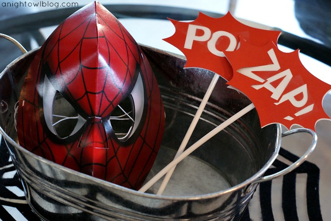 Spiderman Birthday Party Photo Props by { anightowlblog.com } #spiderman #birthday #party