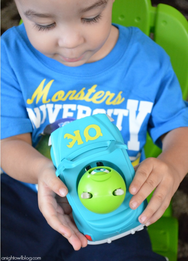 Monsters University Mike Roll-a-Scare Ridez at Walmart | #MUJuice #MonstersU #MonstersUniversity