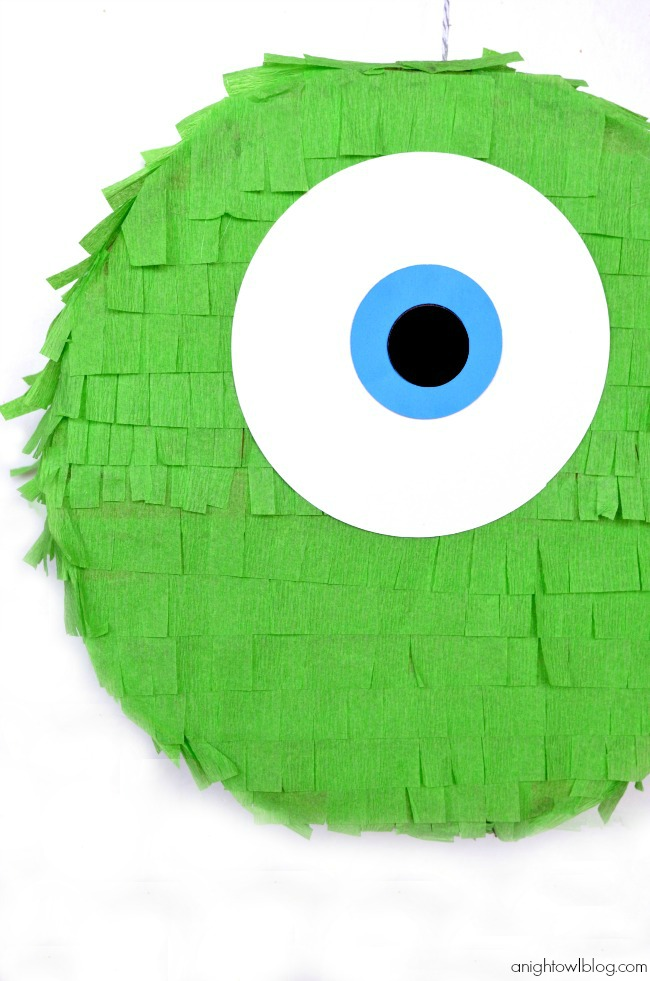 Oh my goodness, how cute is this Mike Wazowski Pinata?! You can make your own!