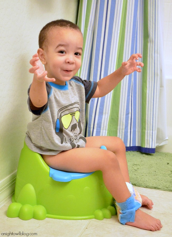 Potty Training 101 - Tips from our adventure! #PullUpsPottyBreaks