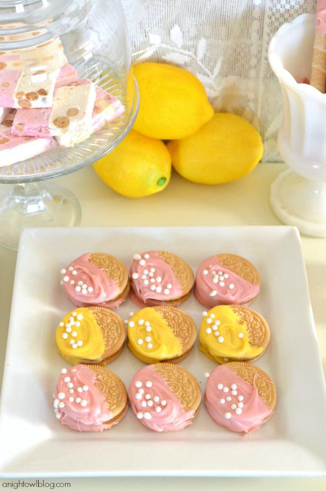 Lorina Lemonade Stand Dessert Table with World Market | #lorina #lemonade #stand #dessert #party #worldmarket #SummerinParis