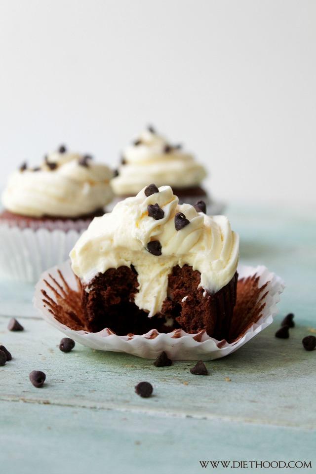 Chocolate Cinnamon Cheesecake Cupcake Recipe | www.diethood.com | www.anightowlblog.com | #recipe #cupcakes #chocolate