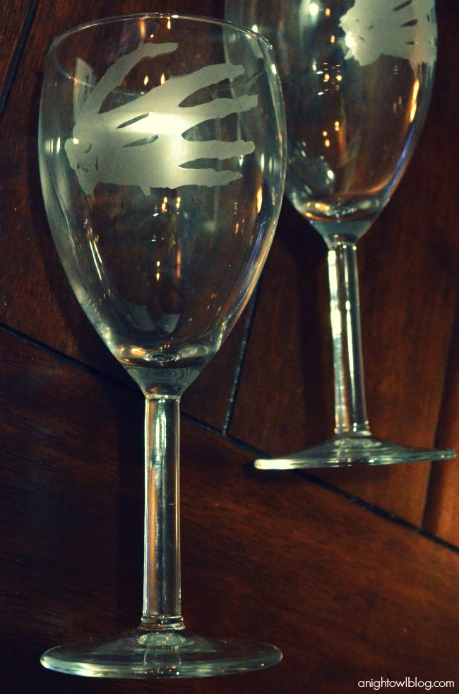 Skeleton Hand Wine Glass with Silhouette Glass Etching Kit