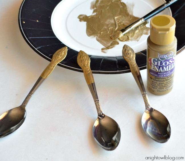 Spruce up plain or mismatched flatware with gold paint!