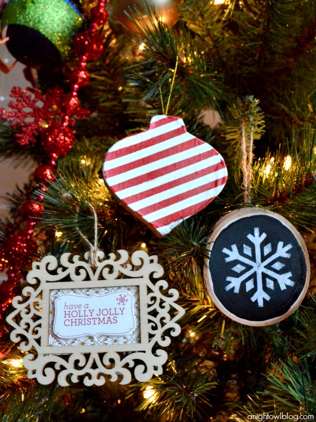 Check out these fun and easy handmade Christmas ornament ideas made with #MarthaStewartCrafts! #12MonthsofMartha