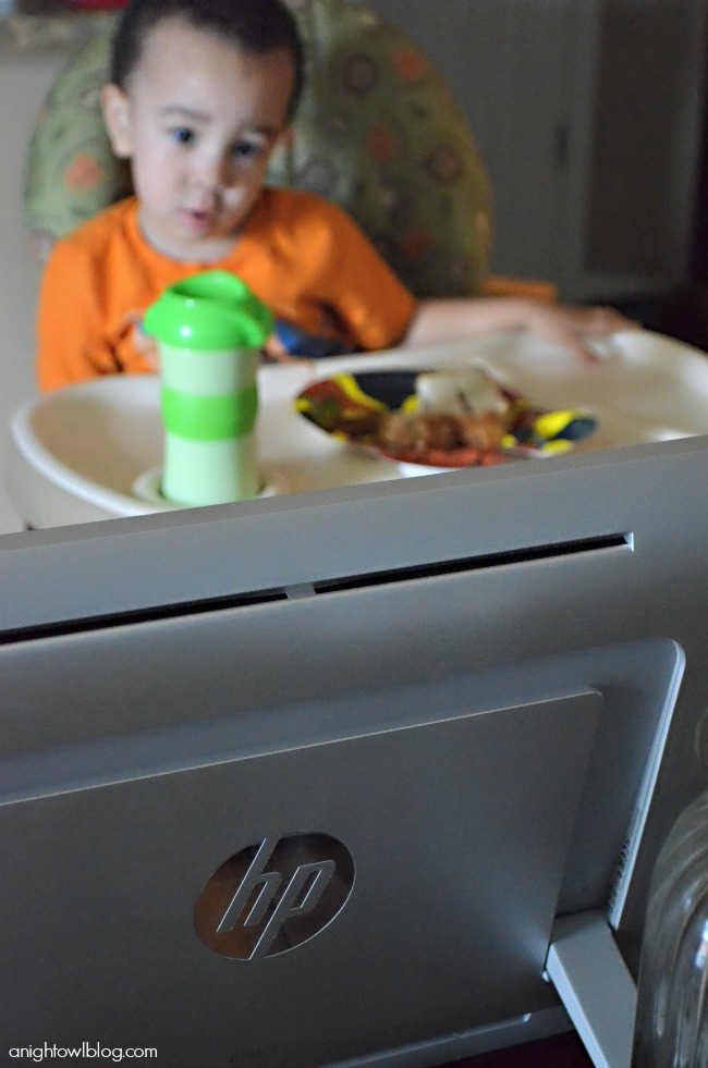 Home Entertainment on our Intel All-In-One PC! #IntelAIO