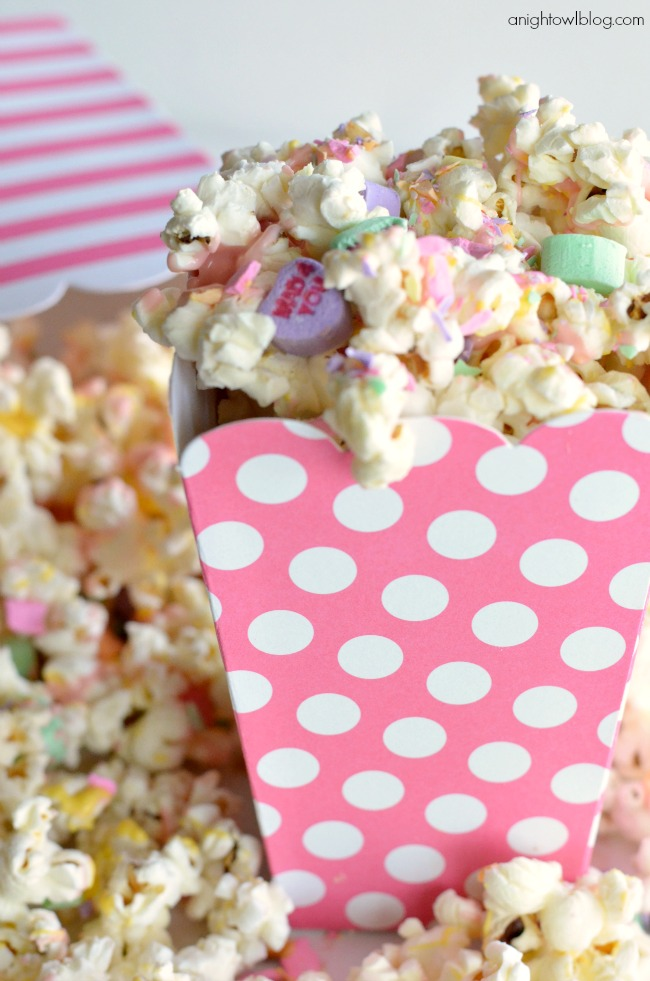 The perfect Valentine treat! Sweetheart Popcorn - so easy to make and so tasty - a snack the whole family will love!