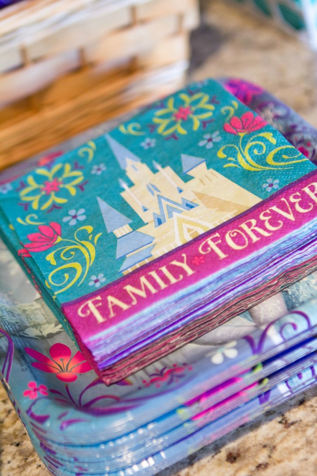 Pretty plates and napkins - Disney Frozen Birthday Party Ideas