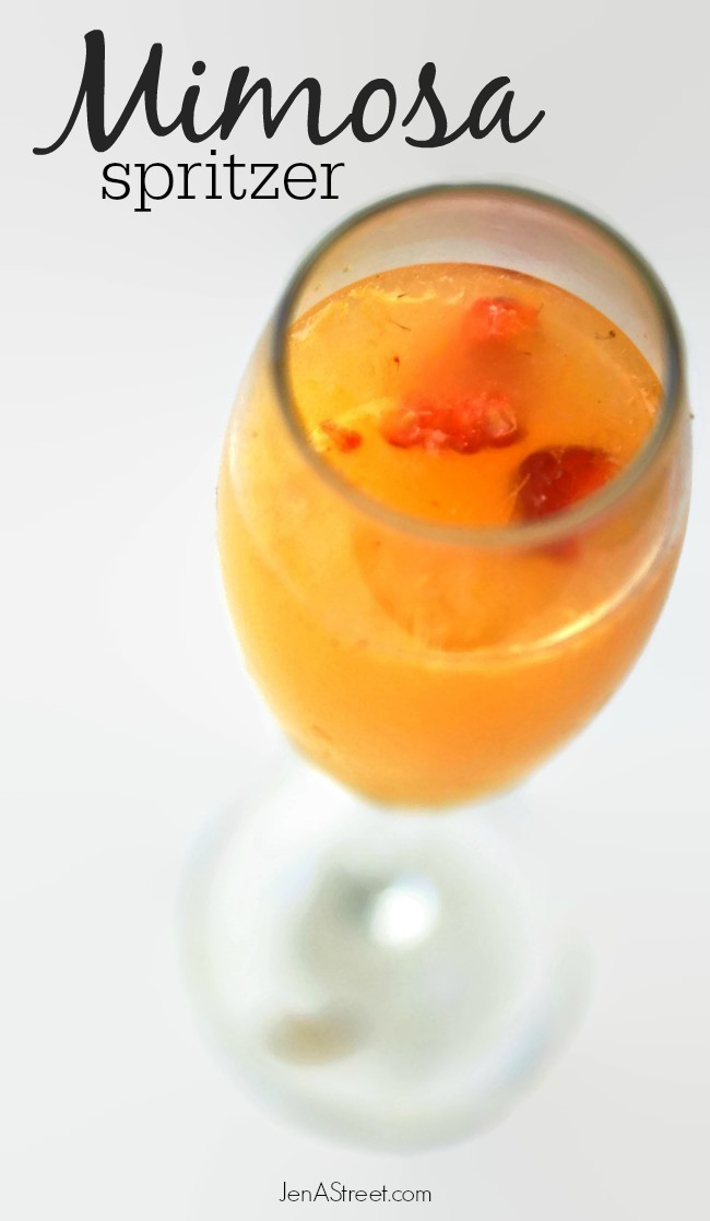 Mimosa Spritzer - make this perfect brunch beverages in just a few easy steps!