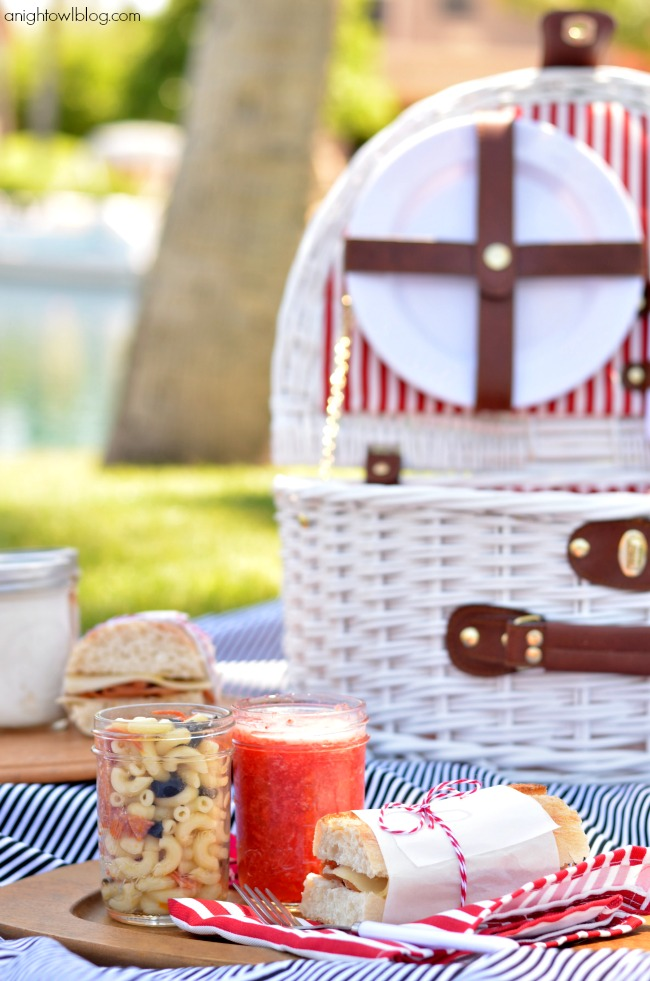 So many great picnic ideas - recipes, tips and more!