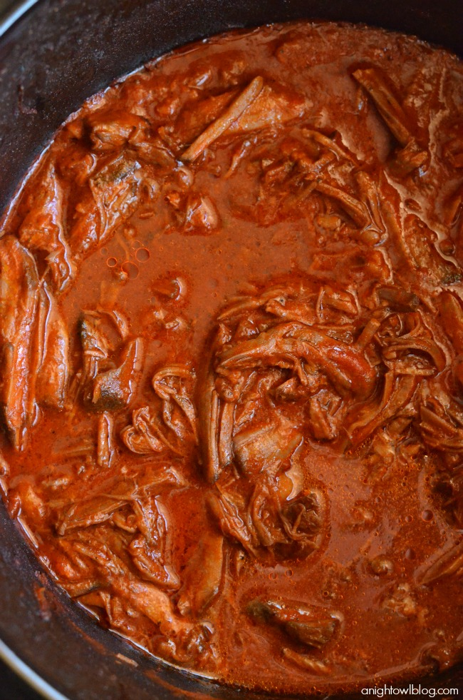 Slow Cooker Red Chili Beef - make a tasty meal in your crock pot in just a few easy steps!