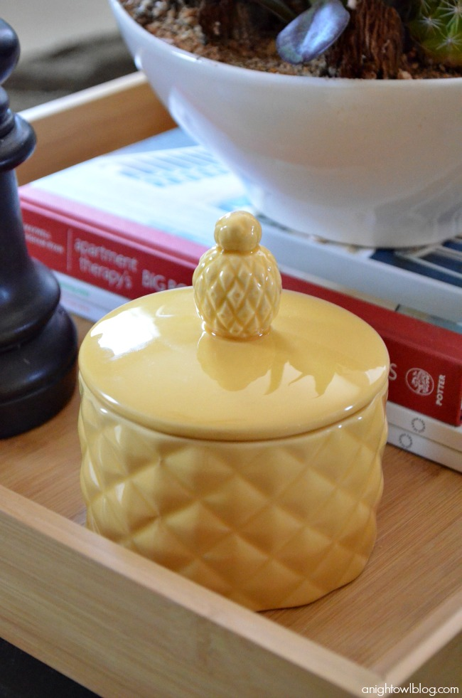 Love this pineapple candle!