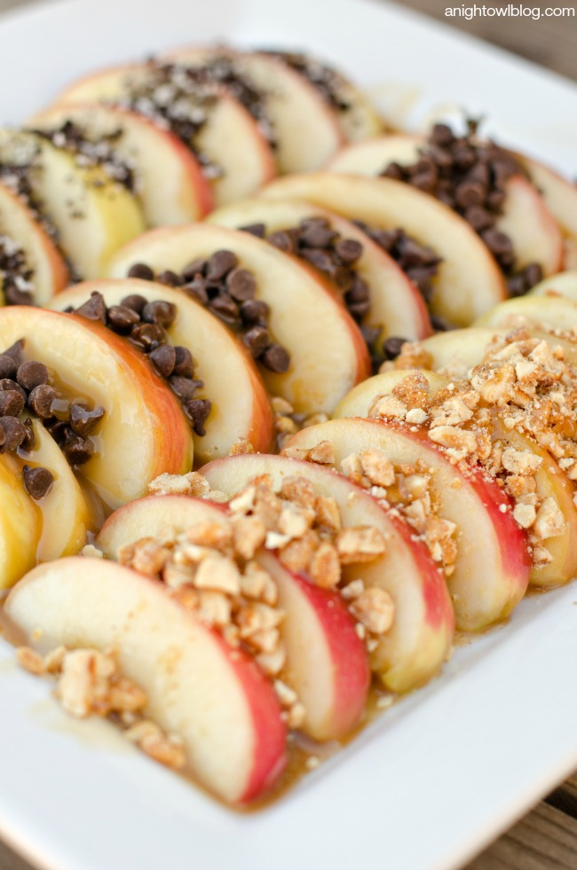 Caramel Apple Nachos | anightowlblog.com