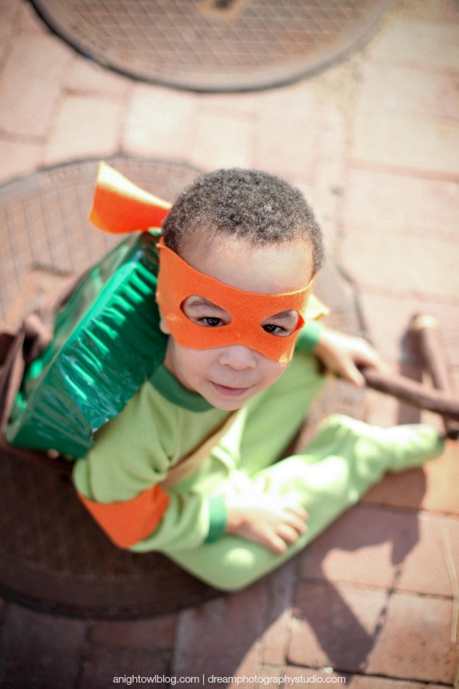 Easy Teenage Mutant Ninja Turtle Costume | anightowlblog.com