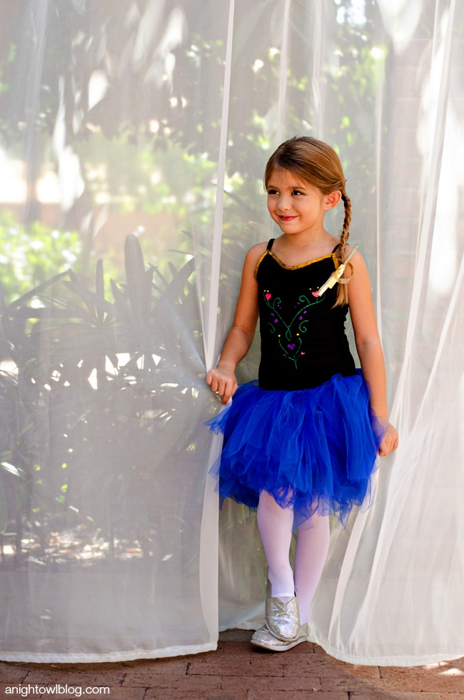DIY Frozen Halloween Costumes | anightowlblog.com