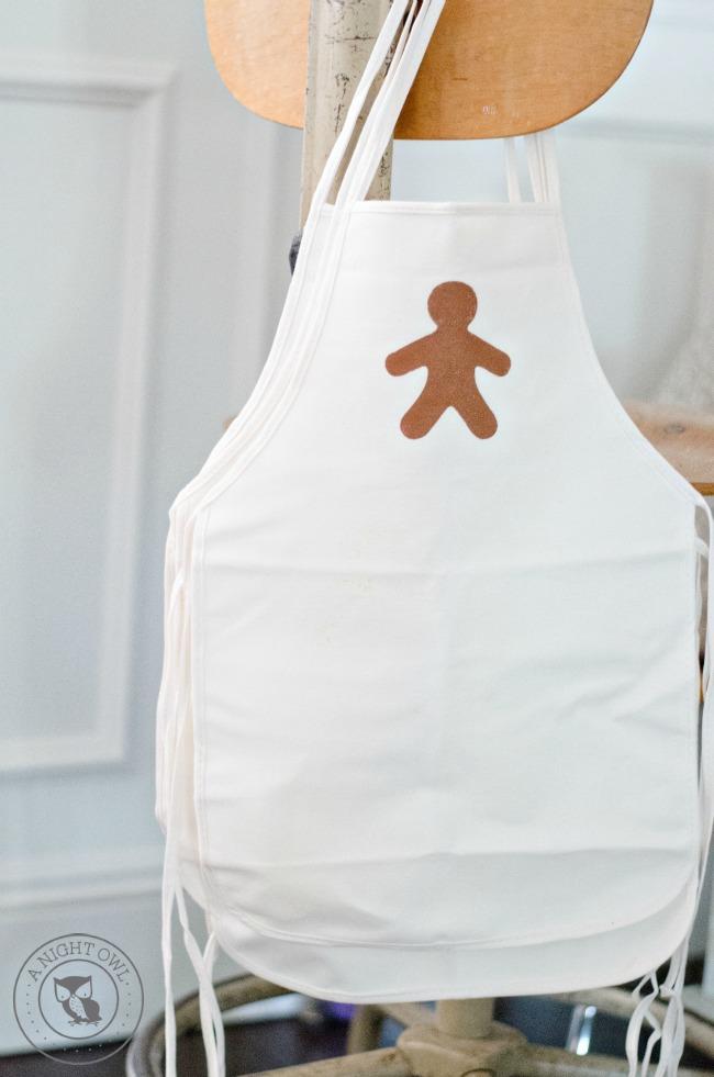 DIY Kids Gingerbread Apron | anightowlblog.com