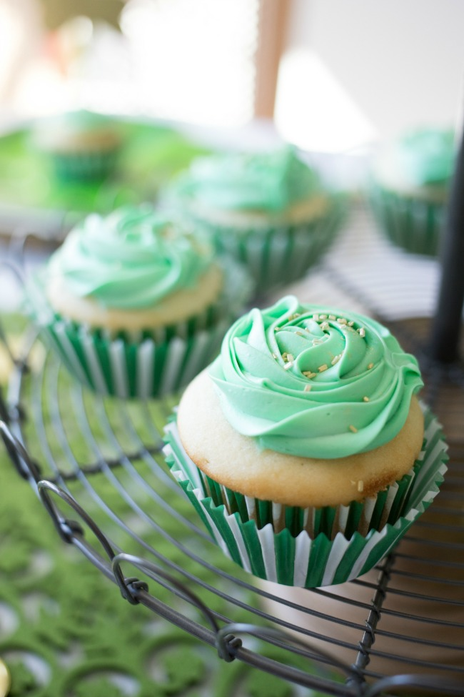 St Patrick's Day Party - tons of great ideas to host your own festive party!
