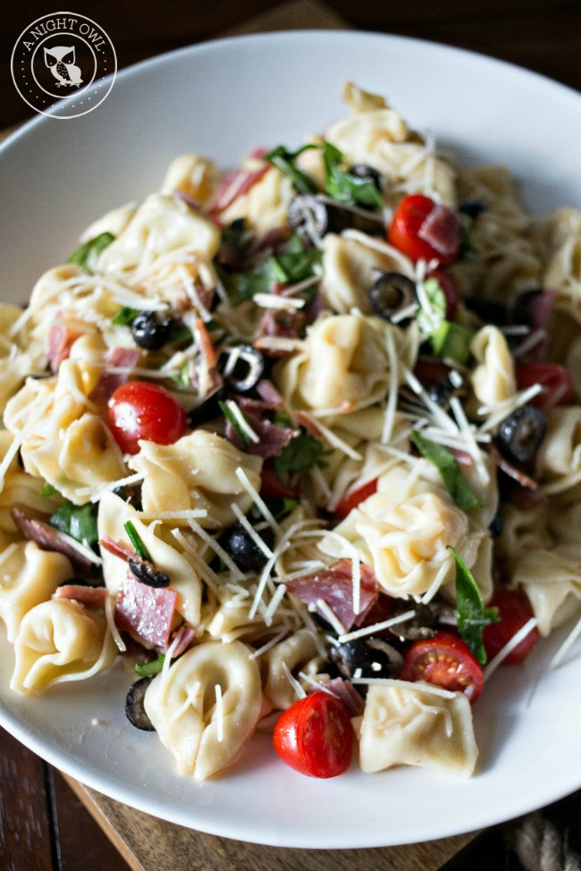 Tortellini Pasta Salad - a delicious Italian twist on the classic pasta salad. A real crowd-pleaser!