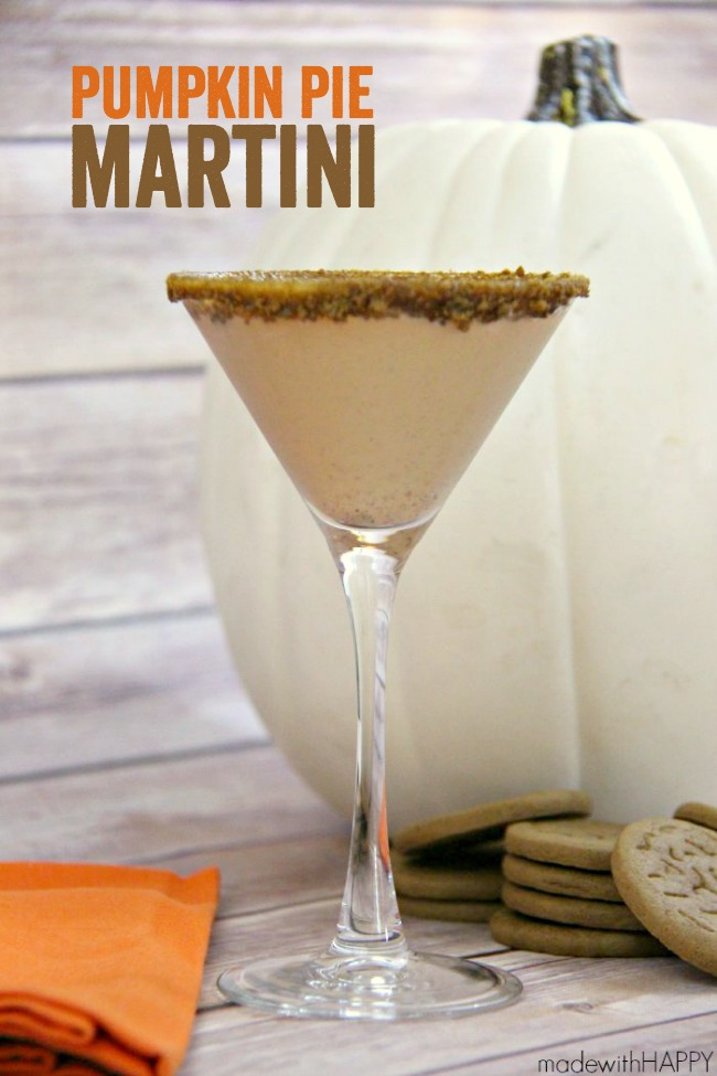 Pumpkin Pie Martini - a fun and festive cocktail with you that will be a hit throughout the season!